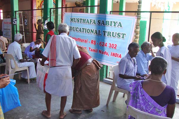 Eye Camp/Eye health check-up to the  village community in Tamilnadu by MSET